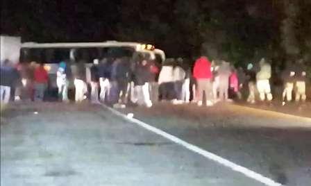 Matan a un hombre en Paracho y habitantes de la zona bloquean carretera a Uruapan. Noticias en tiempo real
