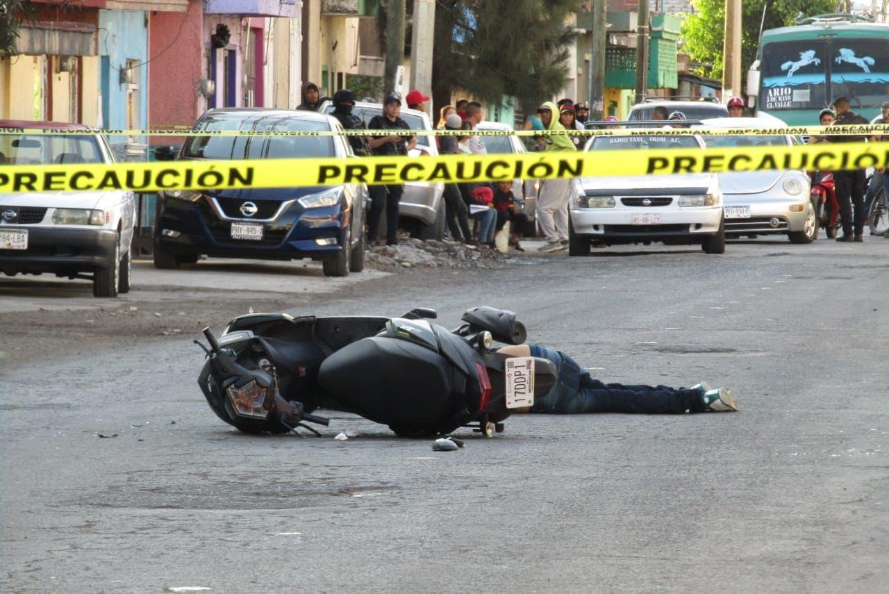 Motociclista es ultimado a balazos sobre la avenida Juárez, en Zamora. Noticias en tiempo real