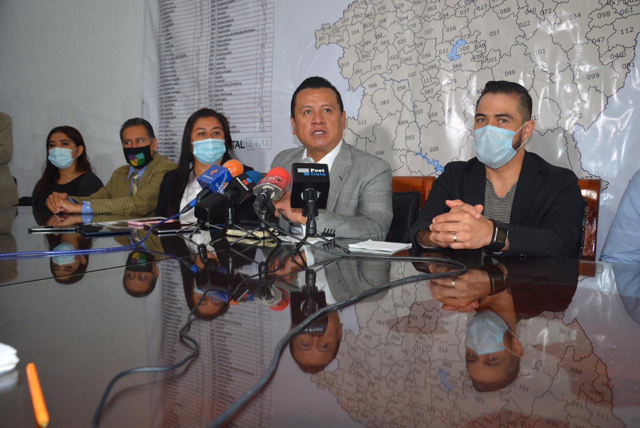 Se deslinda diputado Carlos Torres Piña de ataques a Cristóbal Arias. Noticias en tiempo real